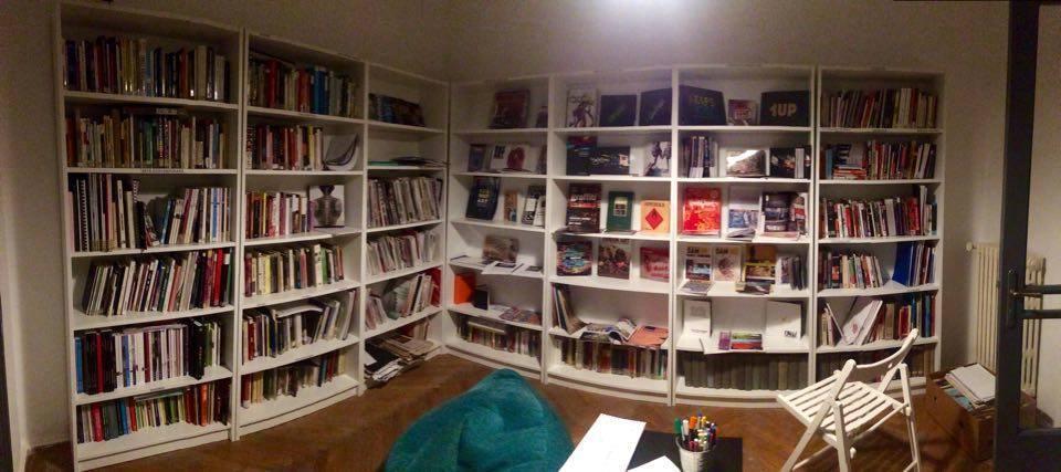 biblioteca alternativa